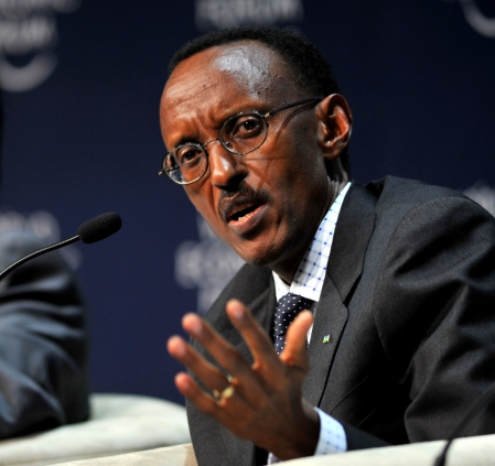 CAPE TOWN/SOUTH AFRICA, 11JUN2009 -Paul Kagame, President of Rwanda and Harish Manwani, President, Asia, Africa, Central and Eastern Europe, Unilever, United Kingdom, at the Plenary on Africa as the World's potential Breadbasket at the World Economic Forum on Africa 2009 in Cape Town, South Africa, June 11, 2009 Copyright World Economic Forum www.weforum.org / Eric Miller emiller@iafrica.com
